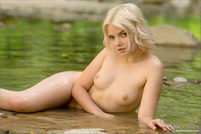 Galerie Jeune femme images nue