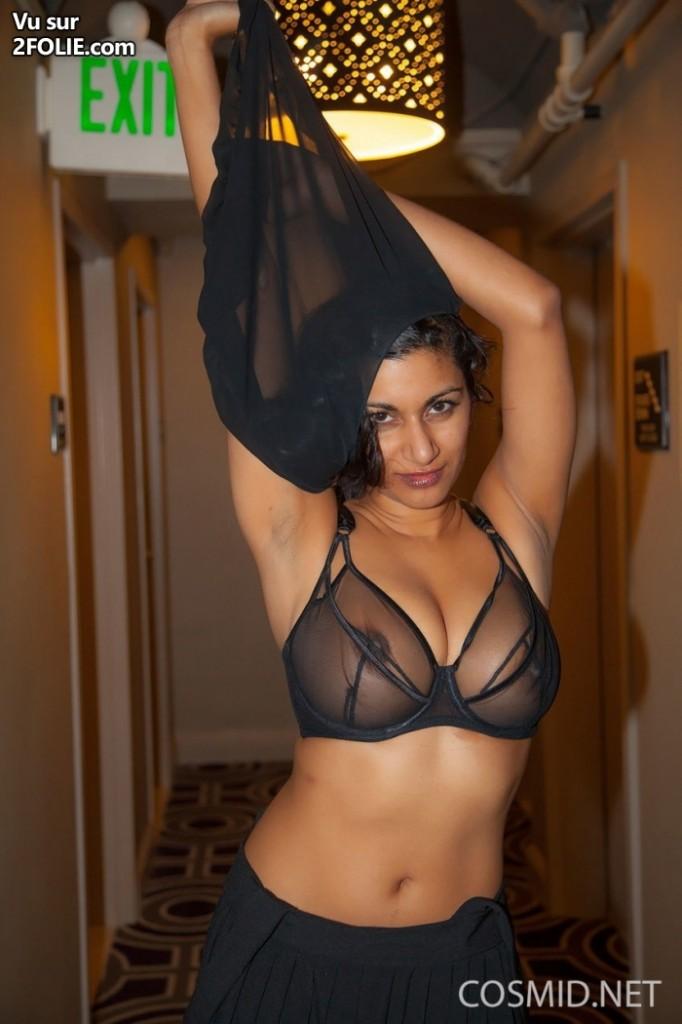 Gros Seins photos en lingerie